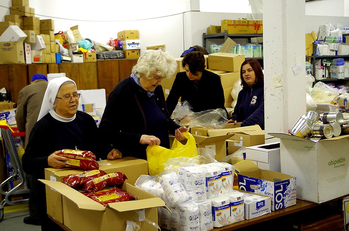 Tvrtke dobrotvori akcije 1000 božićnih paketa